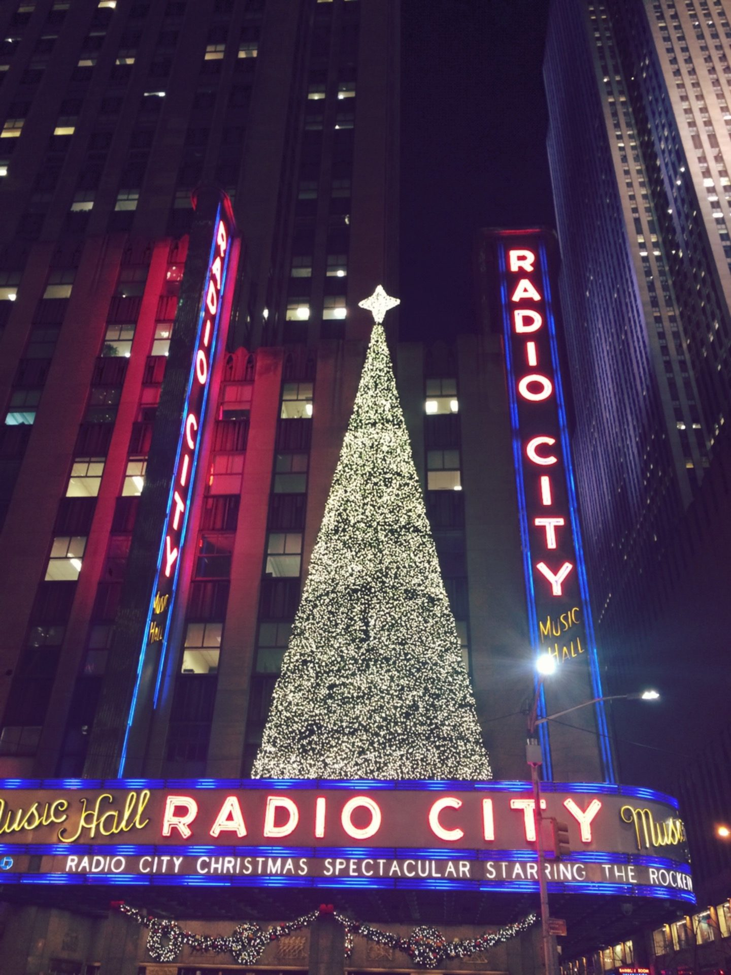 radiocitymusichall_christmas-season-newyork